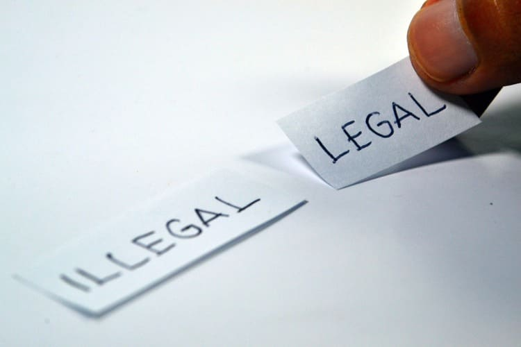海賊版サイトや違法アップロードコンテンツは違法
